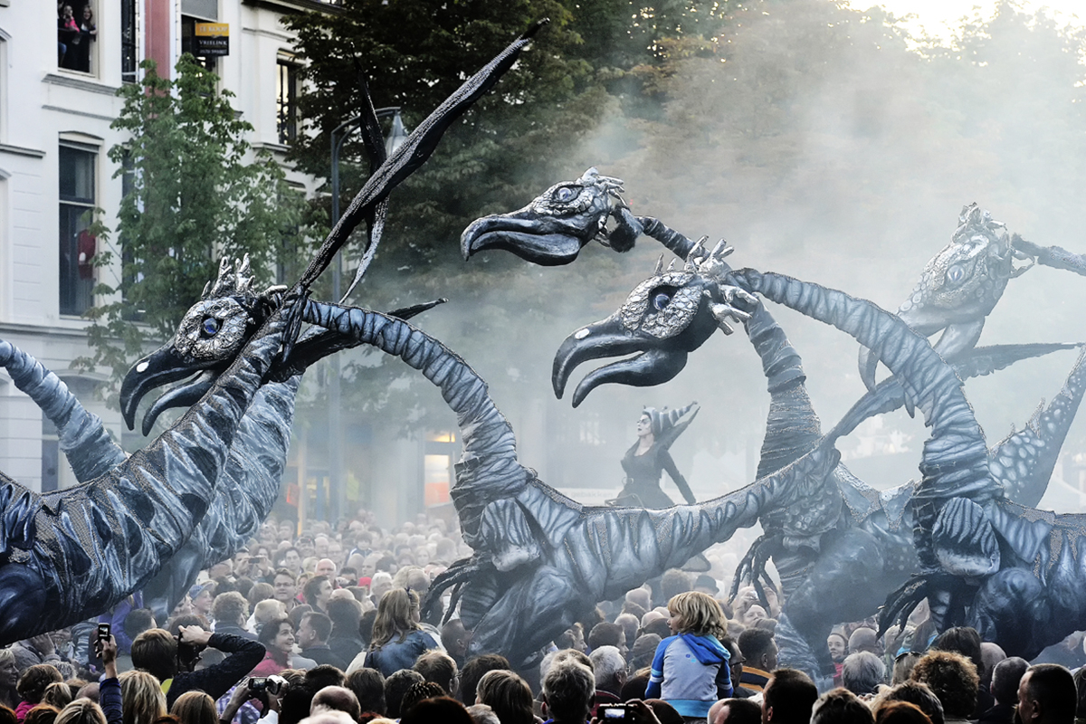 Street Theater: Saurus